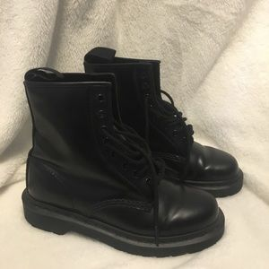 Dr Marten Boots in great condition!